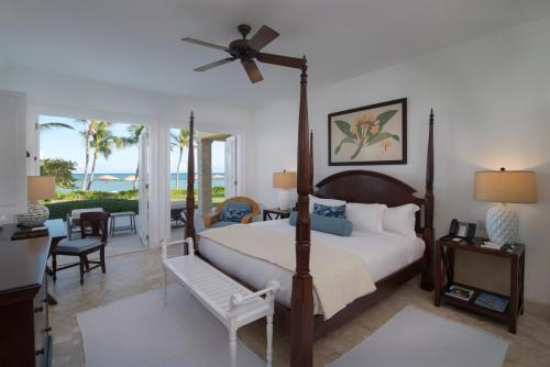 Tortuga Bay Ocean Front King Size Bed