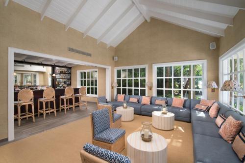Tortuga Bay Lounge  Bar